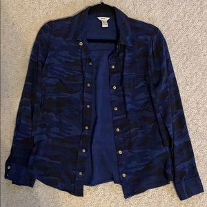 Forever 21 Blue and Black Camouflage Flannel